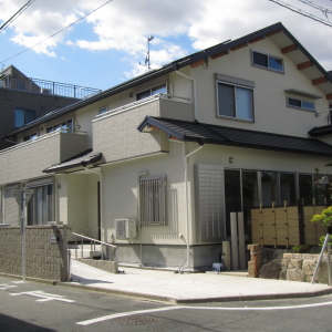 地震対策に最強のエアー断震システムを採用した二世帯住宅 豊橋市 H様邸