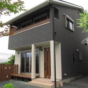 母屋と並んで建つ家  浜松市南区I様邸