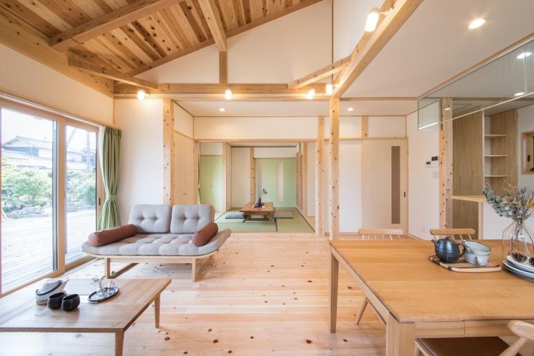 瓦屋根が美しい二世帯住宅LDK-japanesuroom