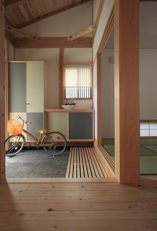 自転車やベビーカーを置ける玄関土間